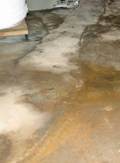 flooding floor cracks flooding through basement floor cracks